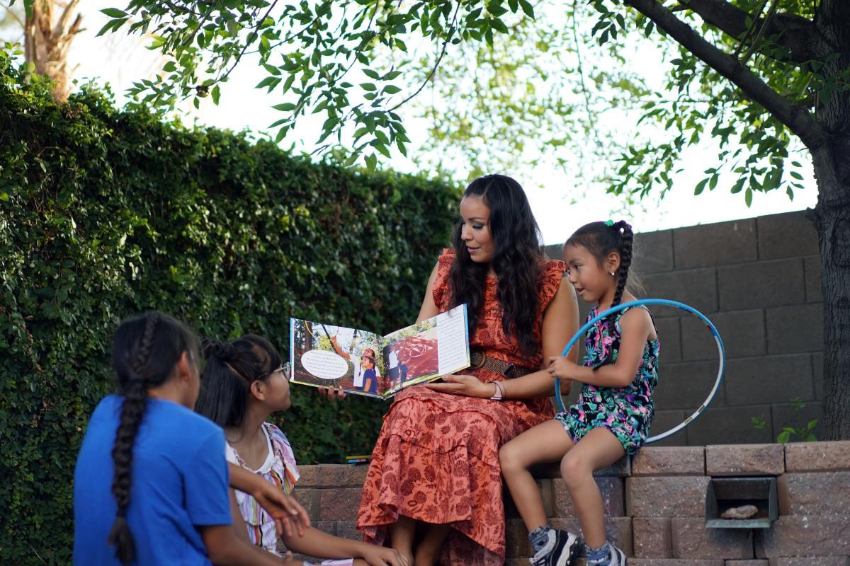 Violet Duncan and Kids