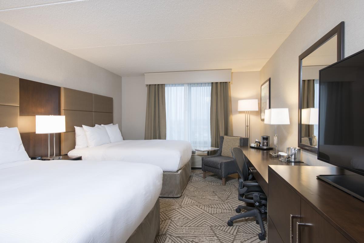 DoubleTree room interior 2 Queen beds