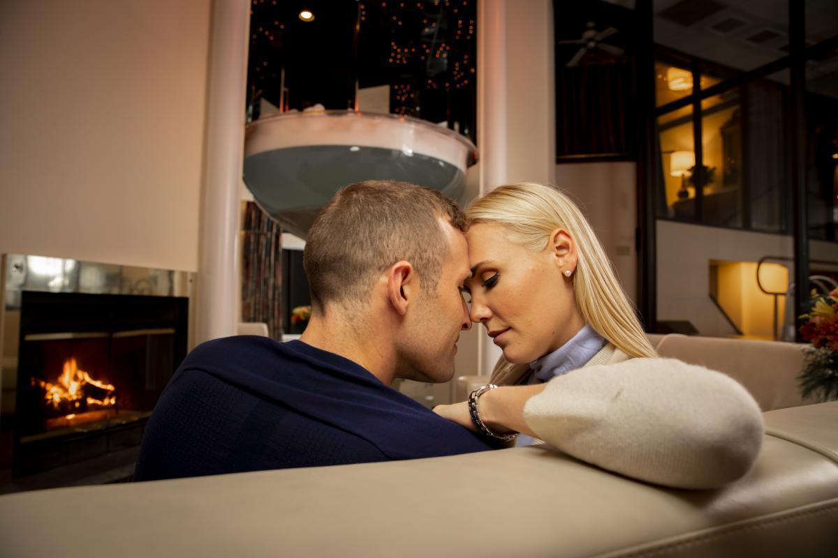 Plan a romantic getaway to the Poconos