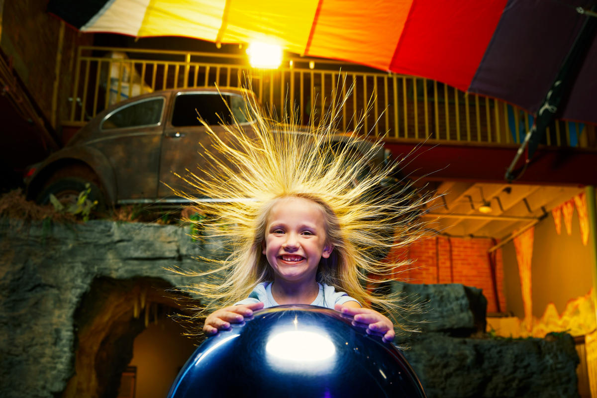 Little girl at the Discovery Center in Springfield