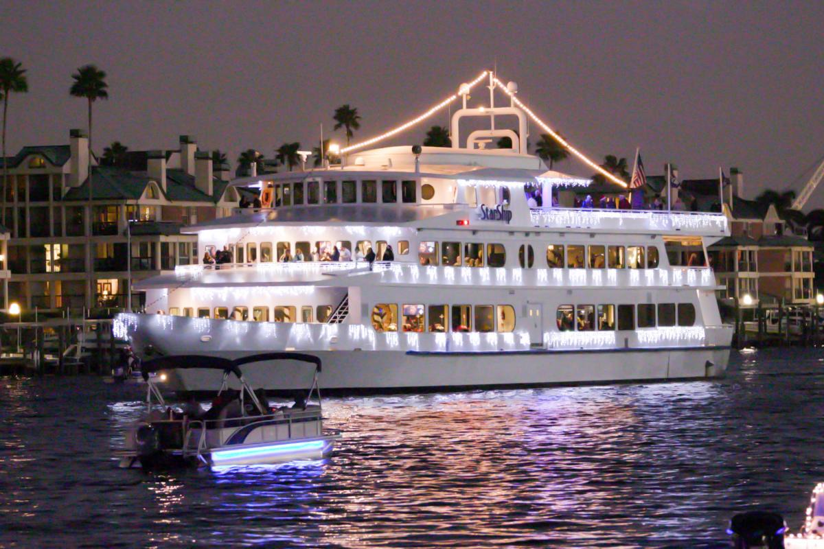 Yacht Starship Holiday Cruises