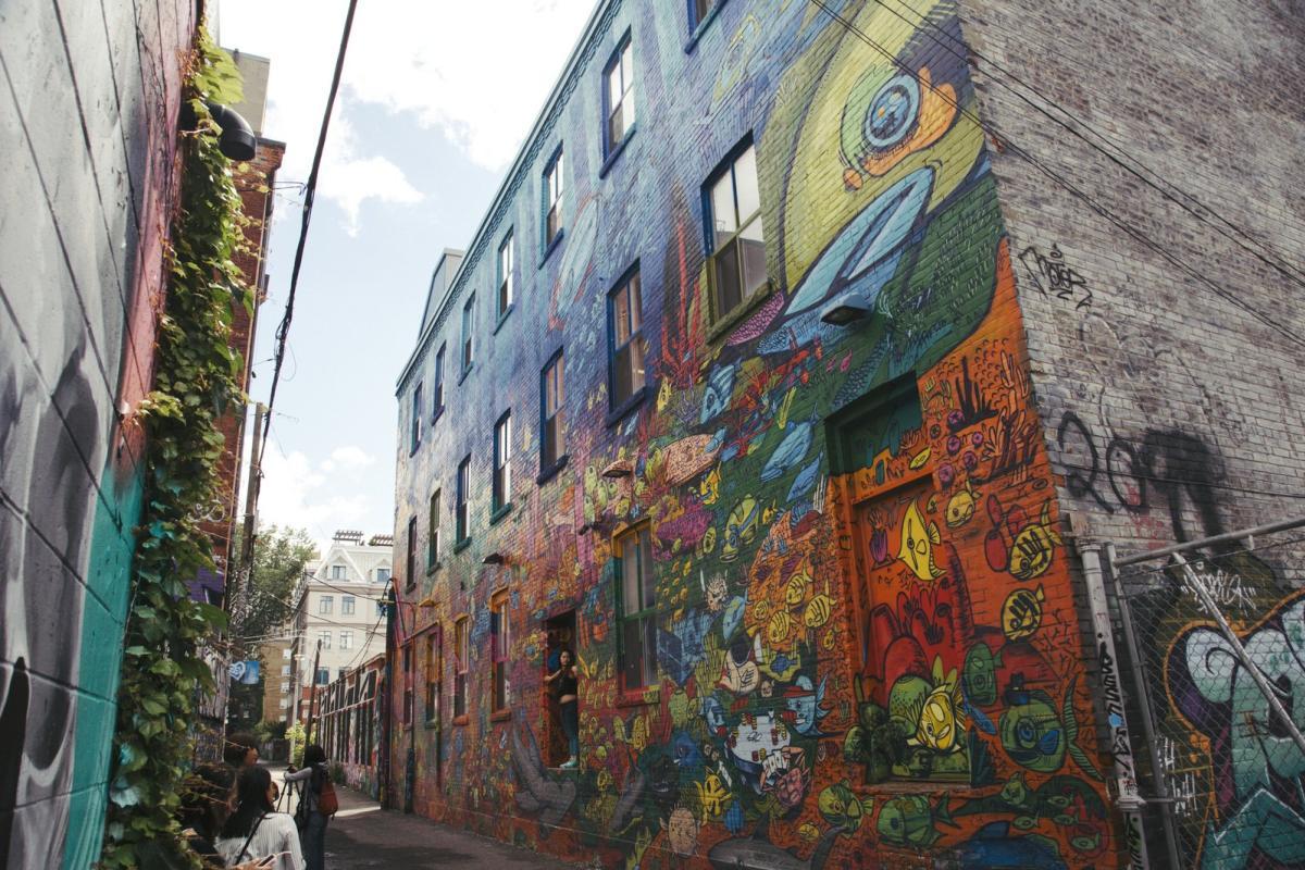 queen-west-graffiti-alley