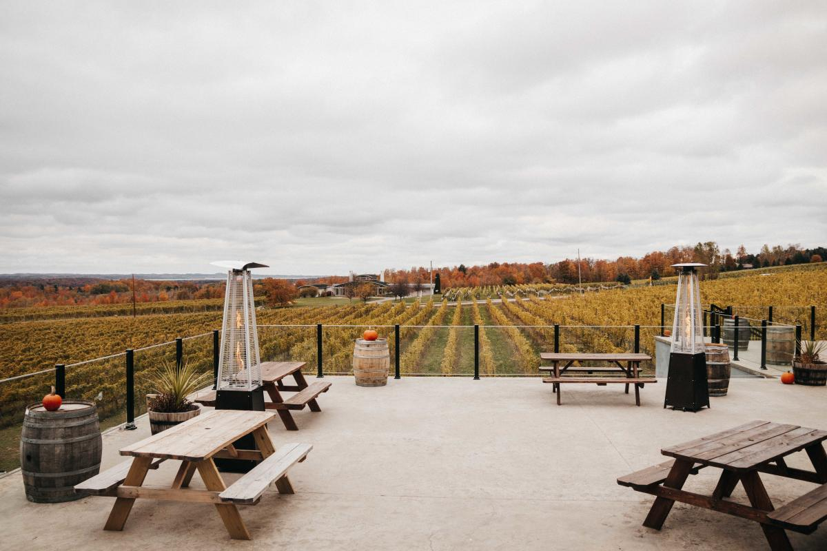 Bonobo Winery - Deck Seating