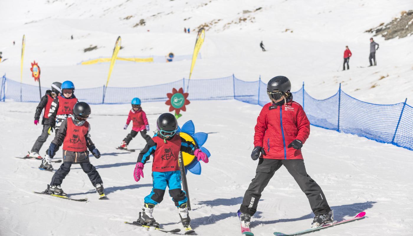 Kids ski lessons The Remarkables