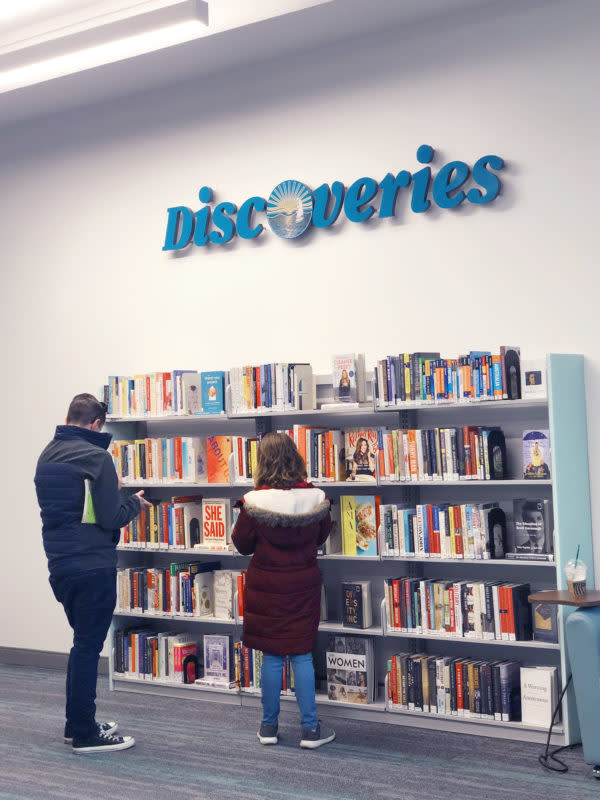 Discoveries-The-Library-at-the-Mall
