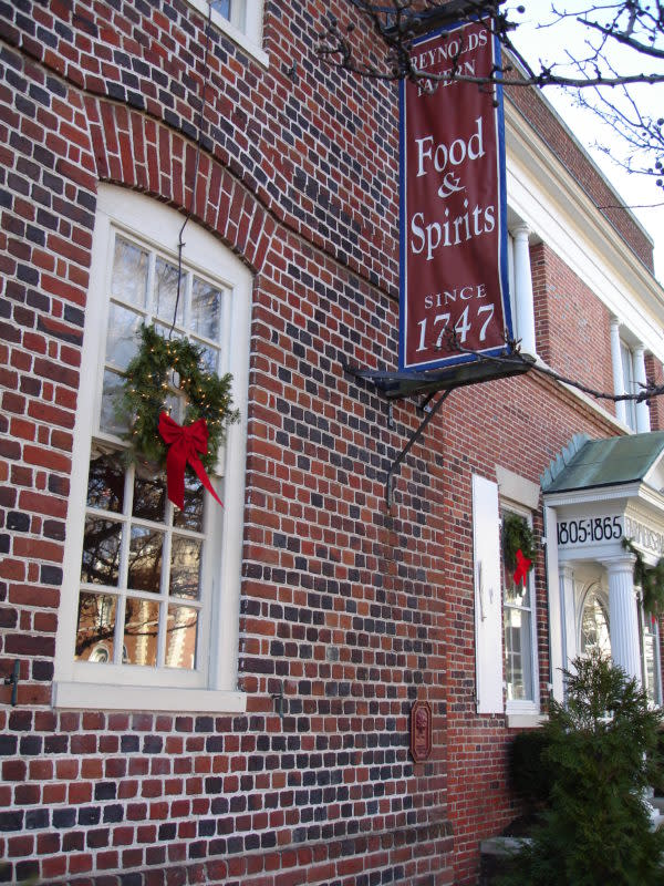 Reynolds-Tavern-for-the-Holidays