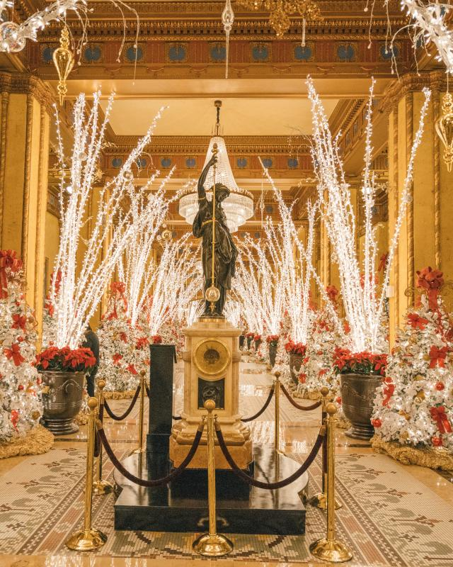 New Orleans Christmas.Holiday Decorations In New Orleans Hotel Lobbies