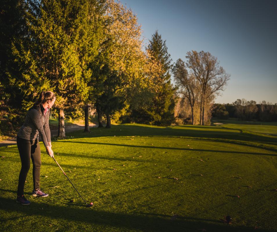 James Lenon Woman Golfer