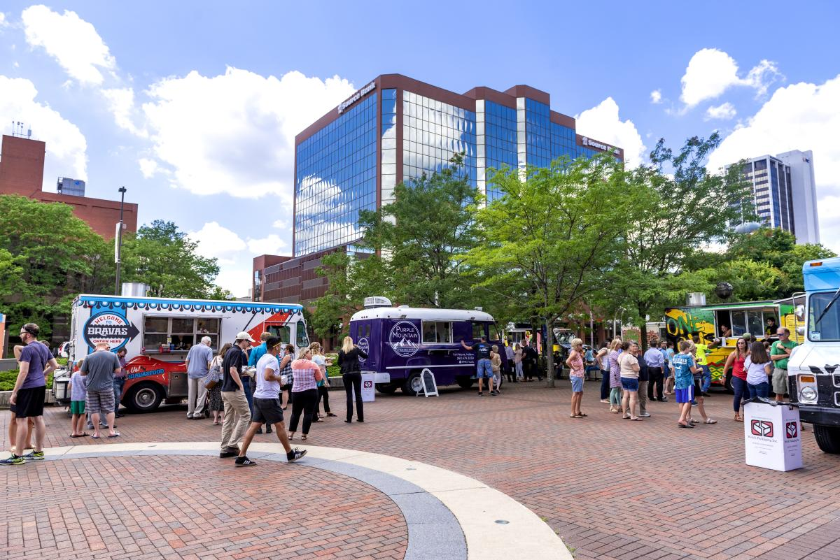 Food trucks in Freimann Square in Fort Wayne, Indiana