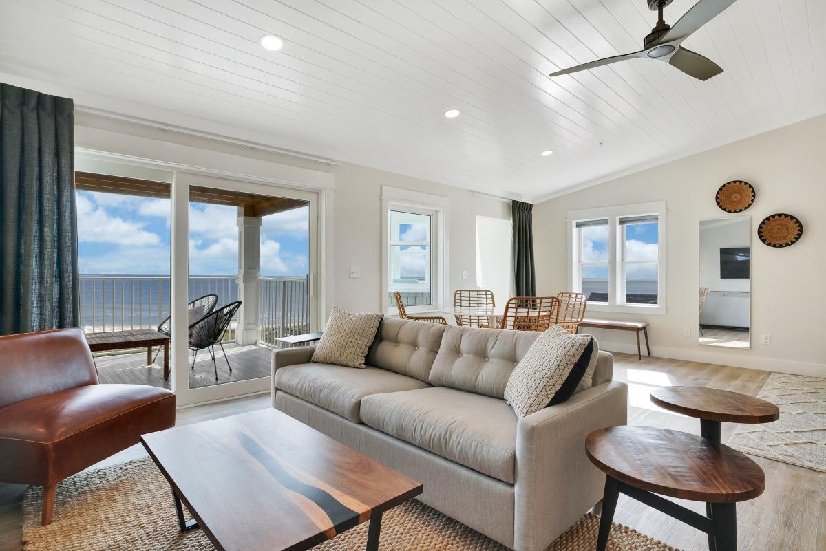 Kure Lighthouse Inn room with oceanview