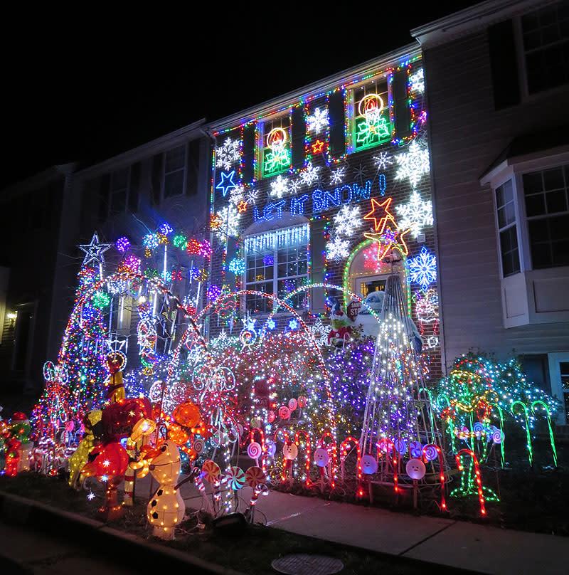 Rhondda Dr - Christmas Lights