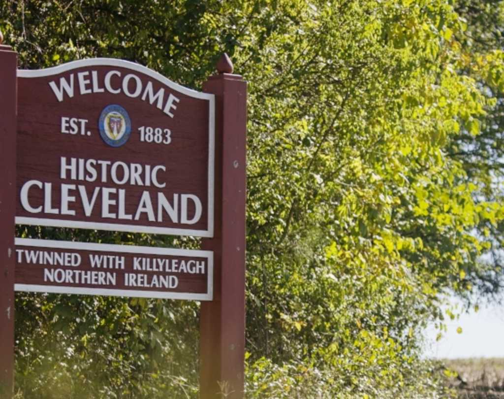 Sign welcoming you to Cleveland