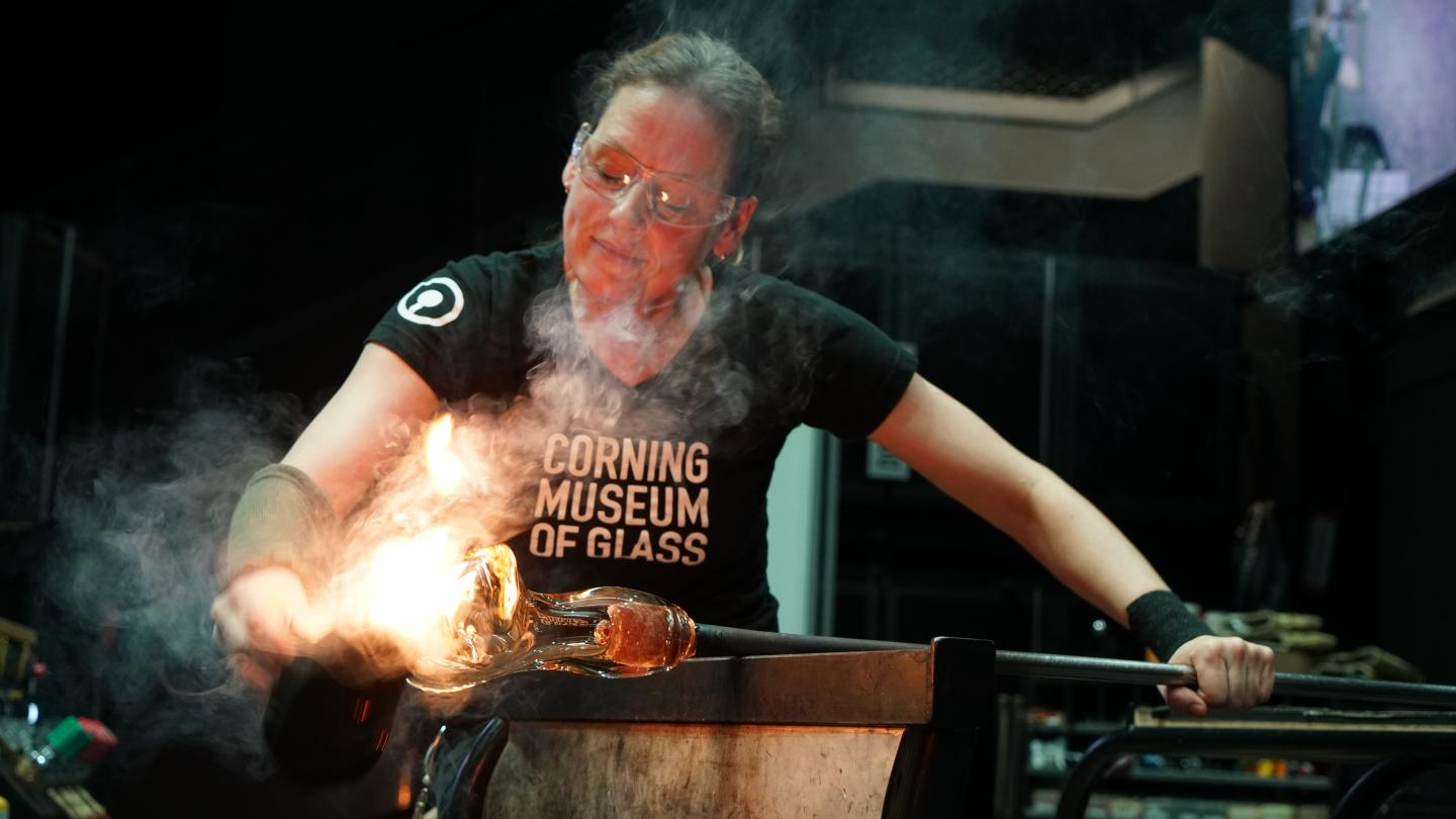 Hot Glass Show Artist Helen Tegeler Glassblowing Demo