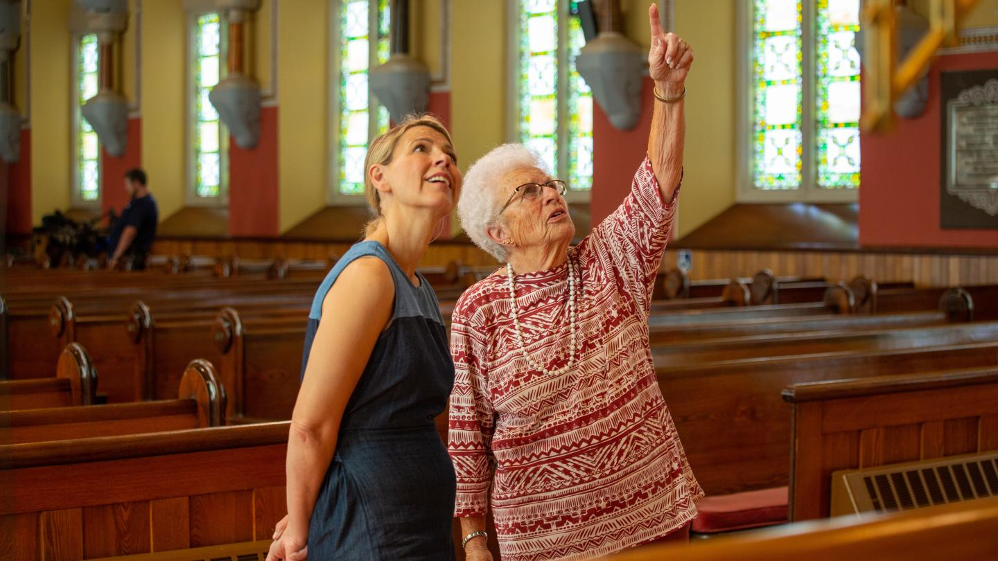 Samantha Brown Tours First Presbyterian Church in Bath