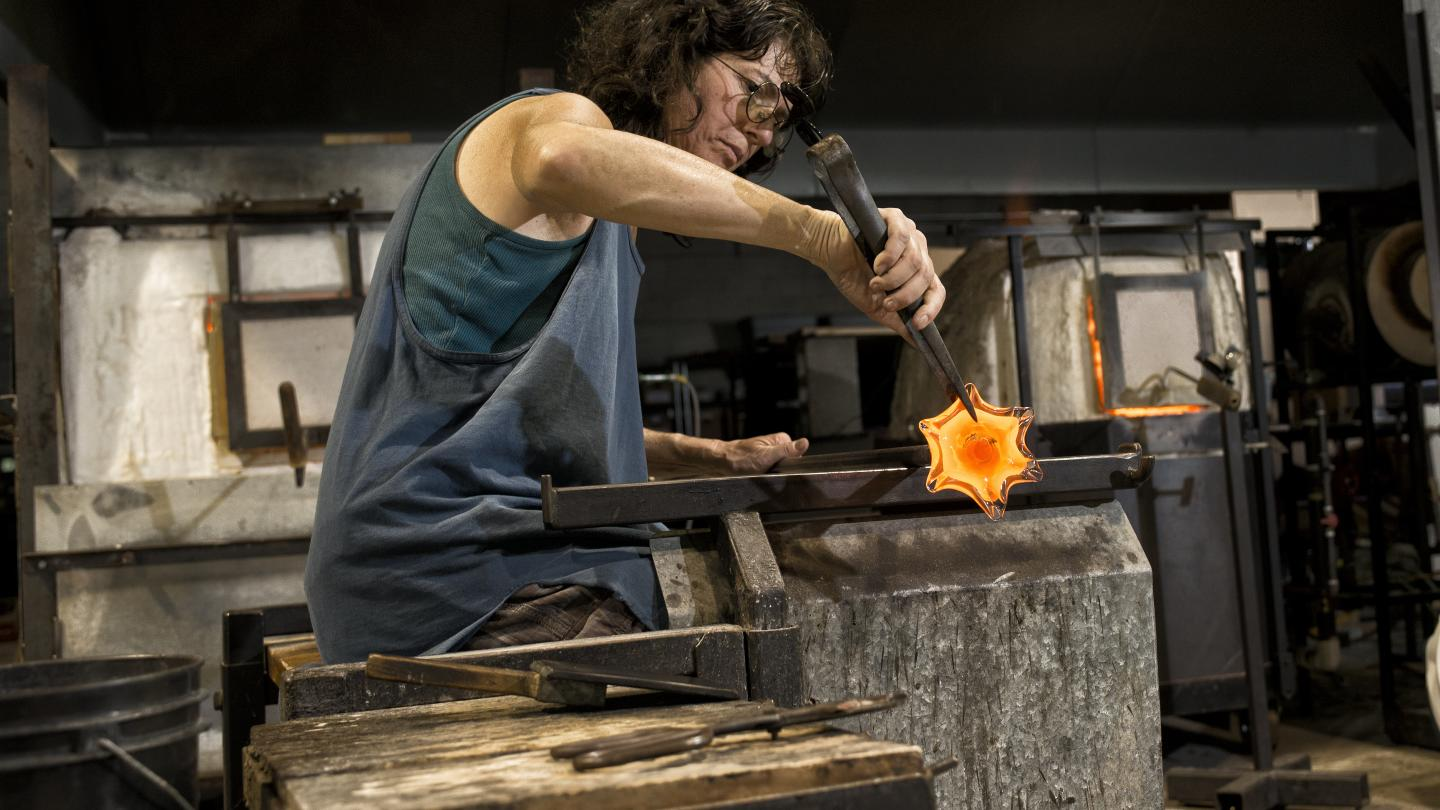 Rodi Rovner at Hands-on Glass Studio