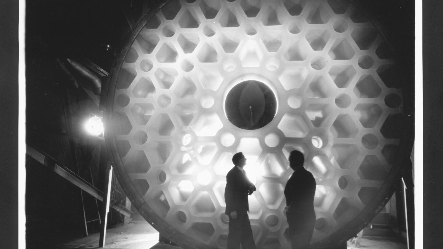 McCauley and Hostetter Standing in Front of 200-Inch Disk courtesy The Corning Museum of Glass