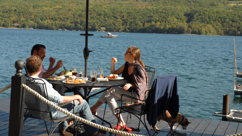 Lakeside Dining at Snug Harbor