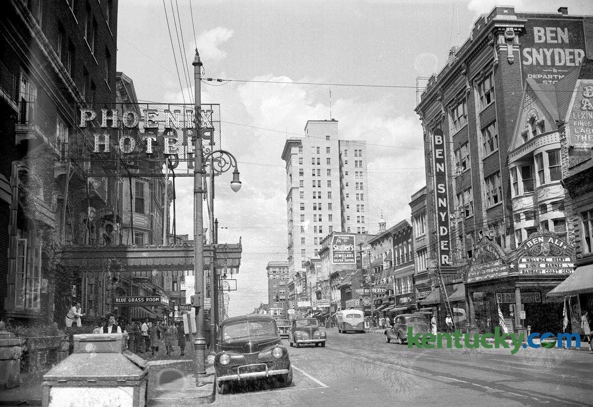 1944 Downtown Lexington view of The Phoenix Hotel and Ben Snyder.