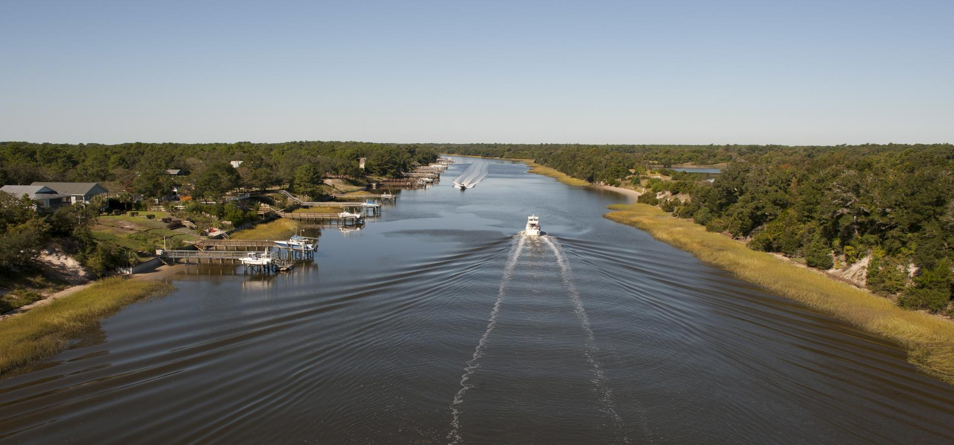 Boating in the Intracoastal Waterway in Oak Island
