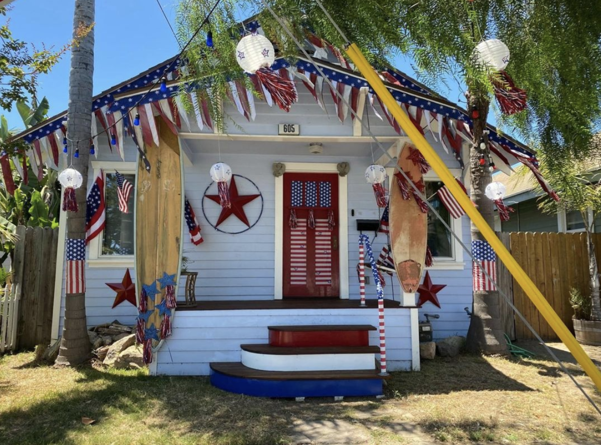Decorating Contest Fourth of July   Image of house decorated in Fourth of July Theme