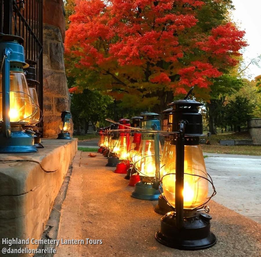 Highland Cemetery Lantern Tour