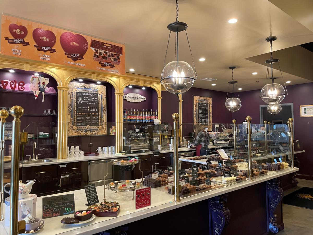 Chocolate case counter at the Chocolaterie Stam