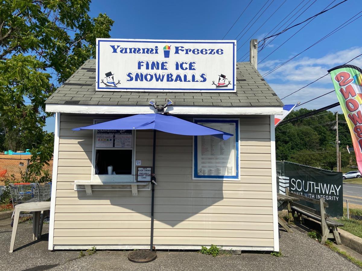 Yummi Freeze Snowball Stand