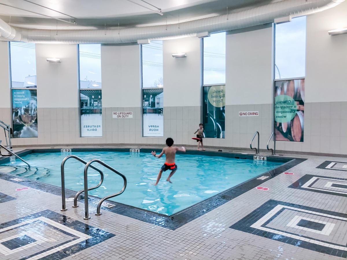 Kids playing in the pool at Hyatt Kelowna