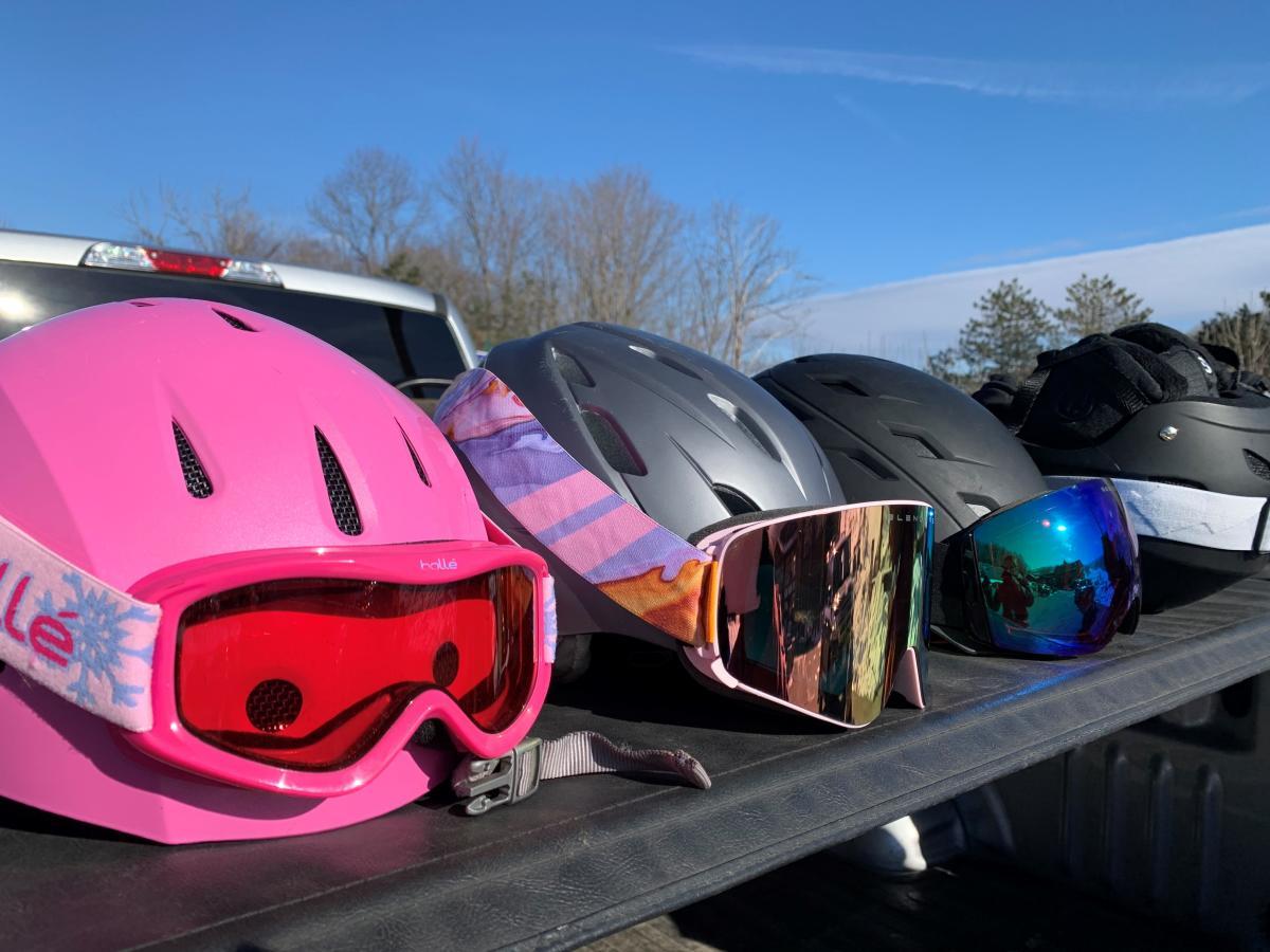 Kids' ski helmets
