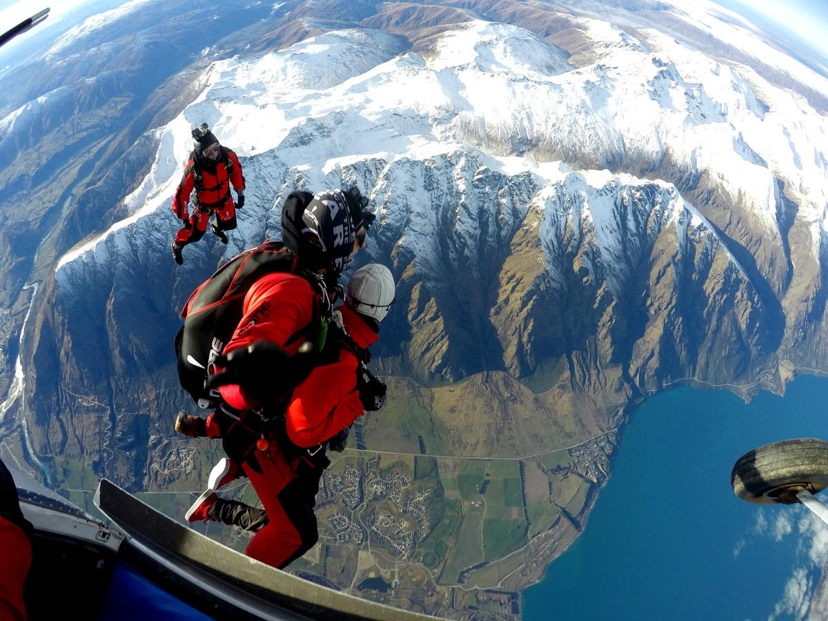 NZONE tandem skydiving