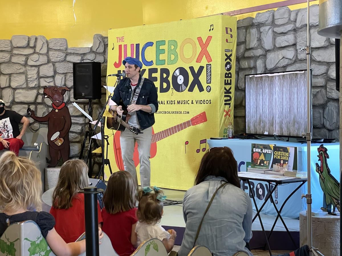 Jukebox Juicebox at The Woodlands Children's Museum