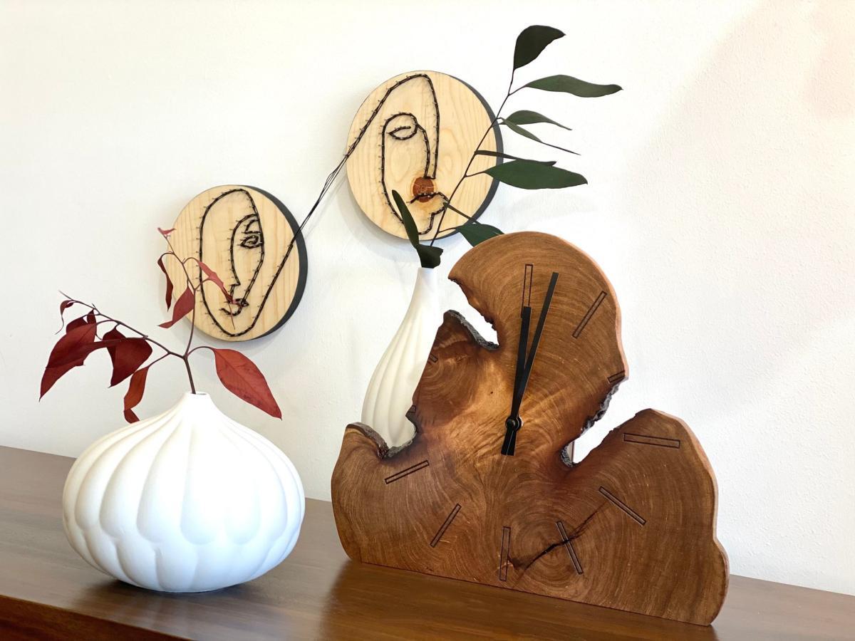 Clock at Artisinat