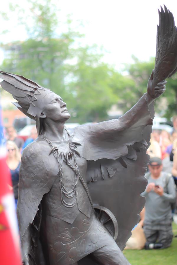 Statue of Chief Charlie swkn̓cut