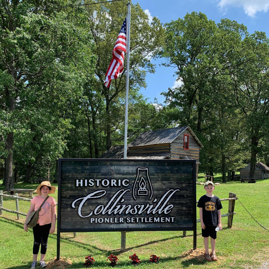 chidren at the entrance of Historic Collinsville