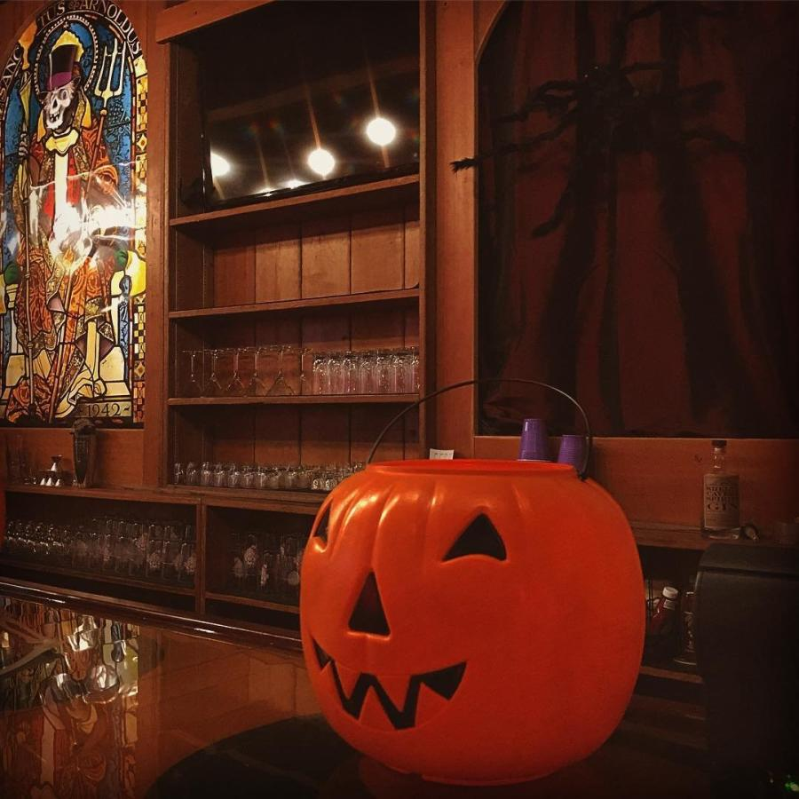 Halloween at Straight to Ale
