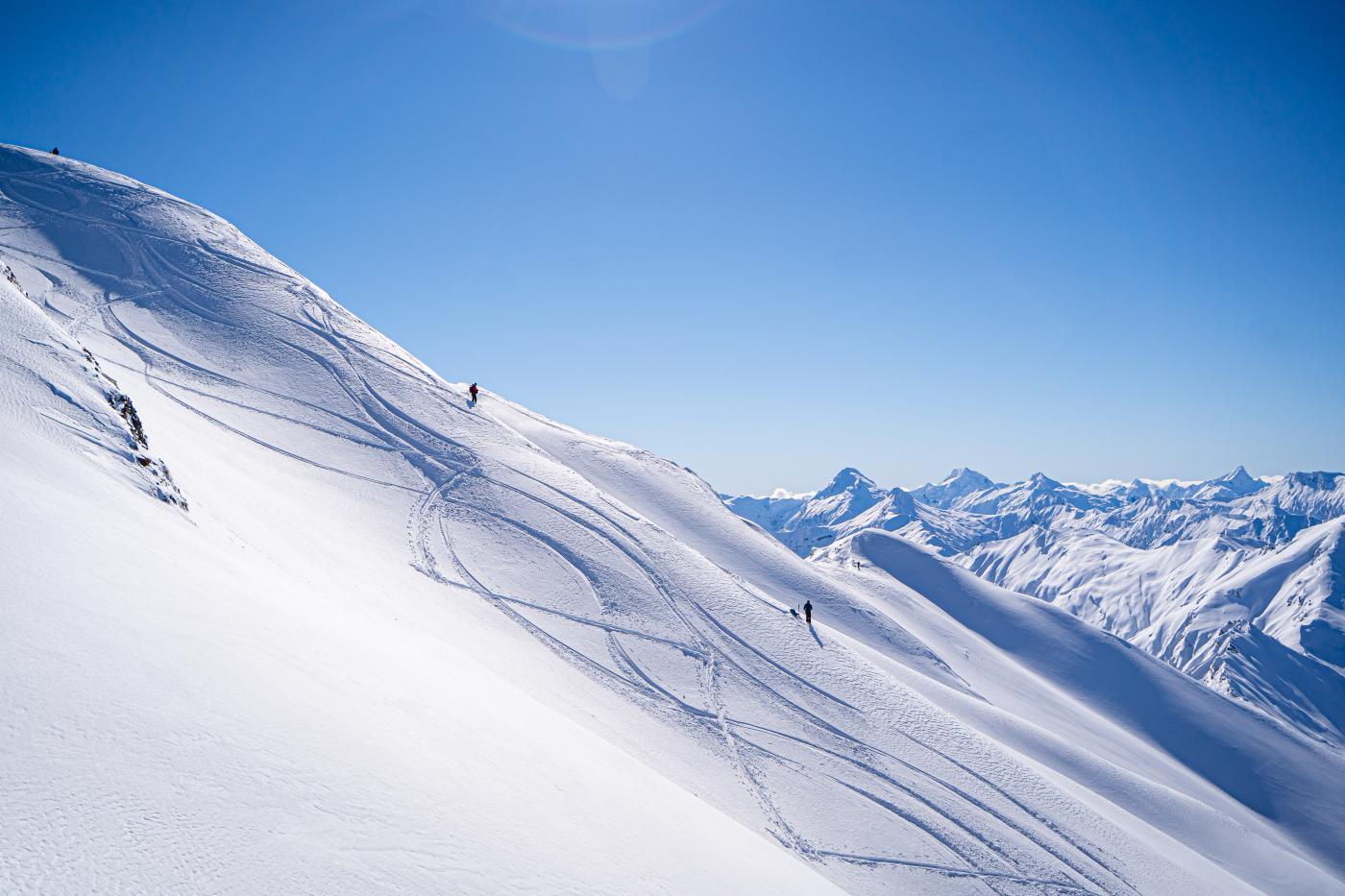 Heli skiing