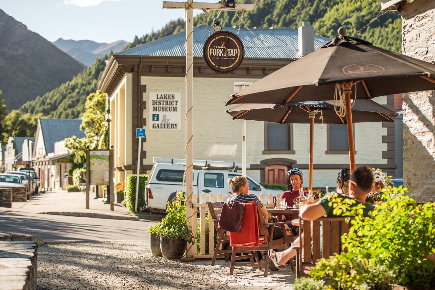 MTB Apres at the Fork & Tap, Arrowtown