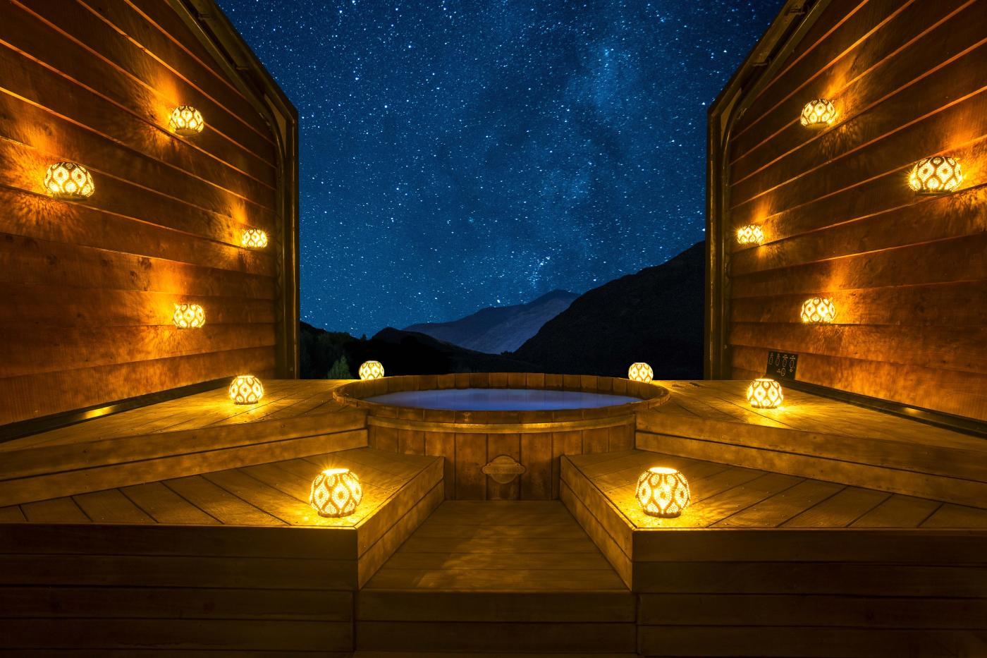 Onsen Hot Pool Night Experience by candlelight