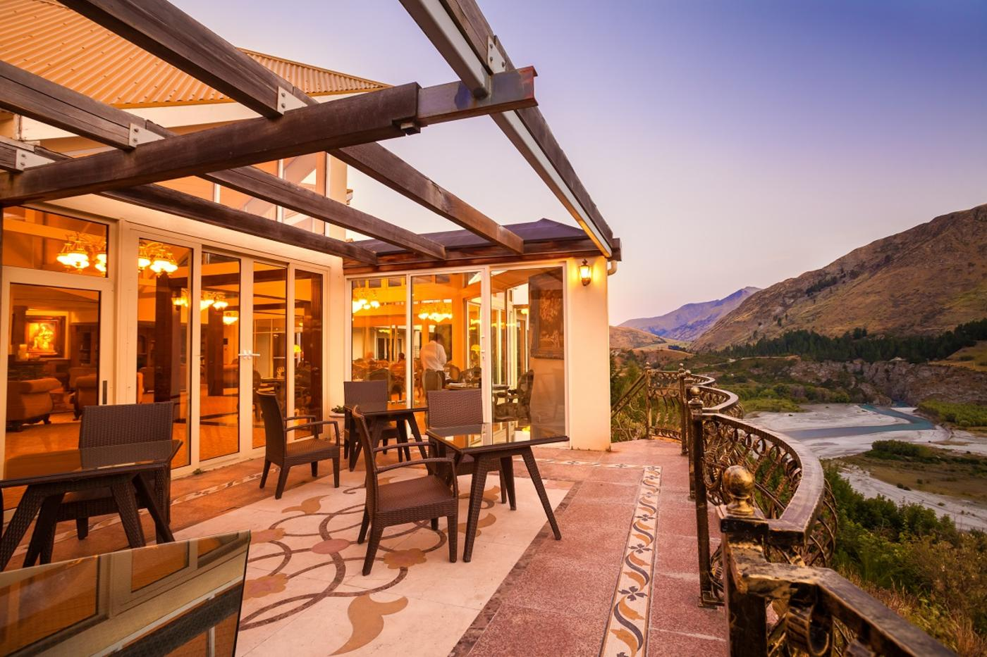 THC Nugget Point Hotel overlooking Shotover River