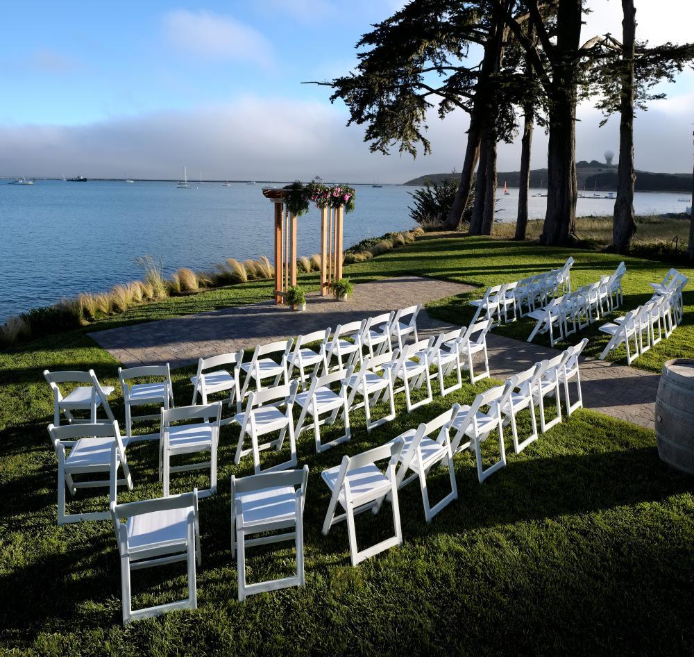 Outdoor-wedding-space-at-maverick-house-in-half-moon-bay