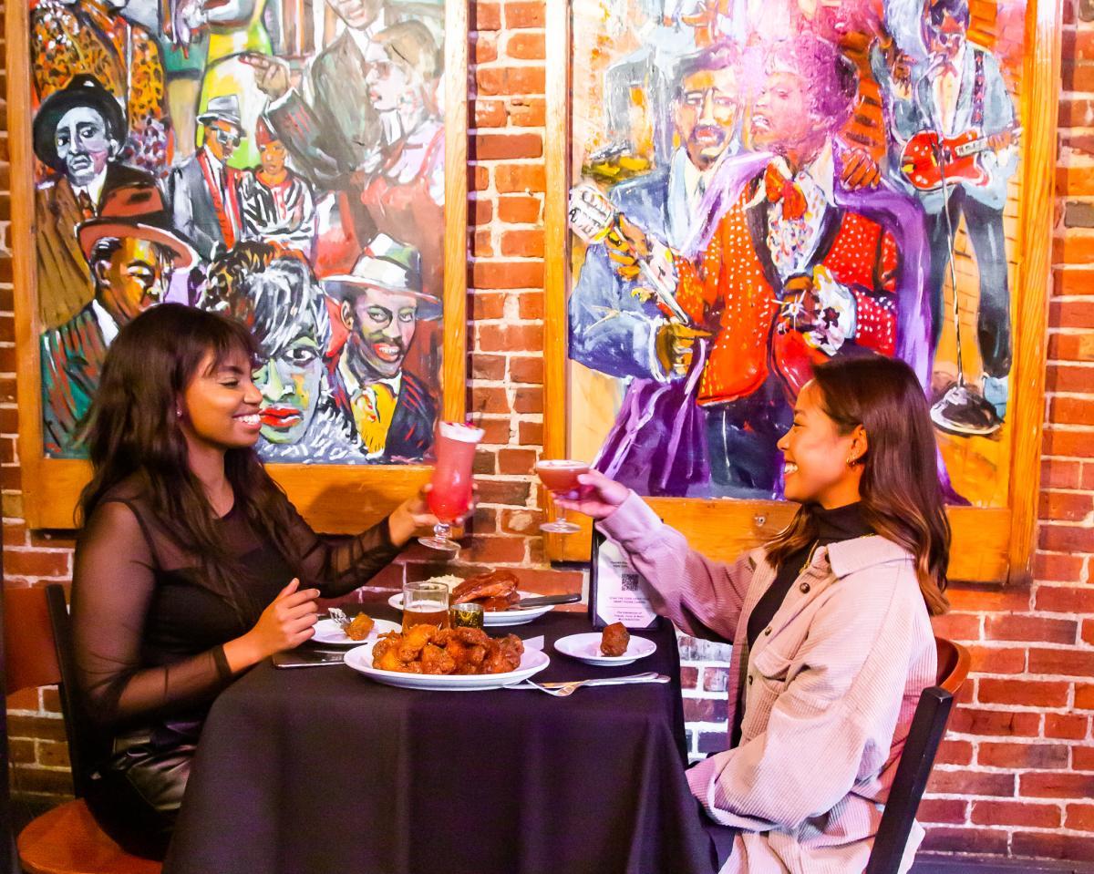 Dine Out Boston - Darryl's Corner Bar & Kitchen