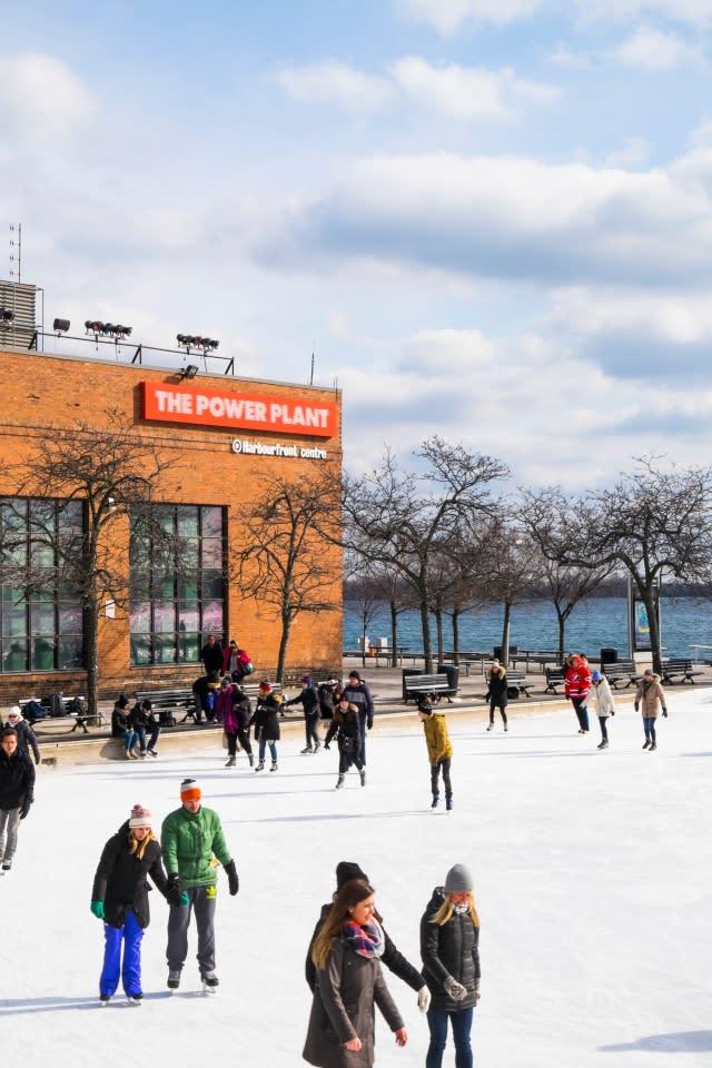 Skating_Harbourfront_rink-2