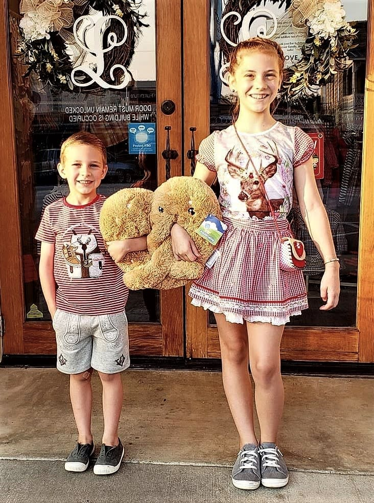 Liebeskind offers a variety of children's clothing, including dirndl's and lederhosen