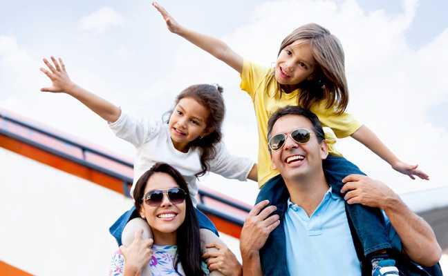 family_trip_photo_648_400_50auto