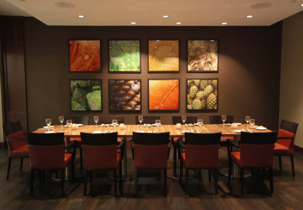 marriott_nw_dining_table