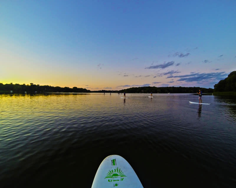 paddleboarding-fish-lake