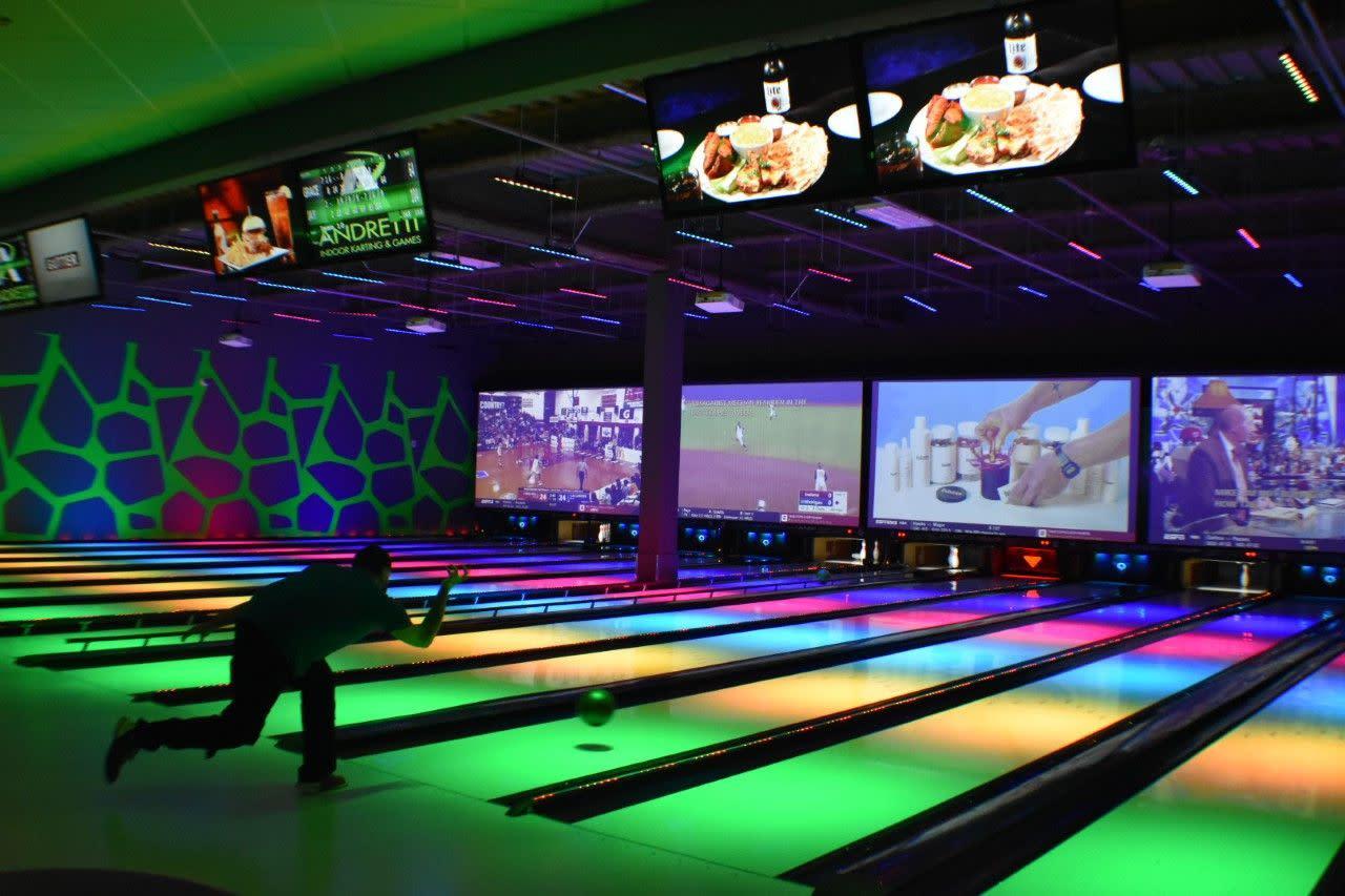 178523_bowling2.jpg