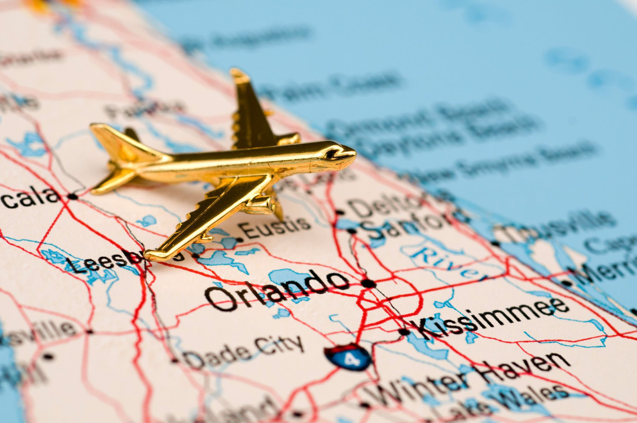 Booking Orlando Hotel Rooms and Transportation in Advance Can Save Money
