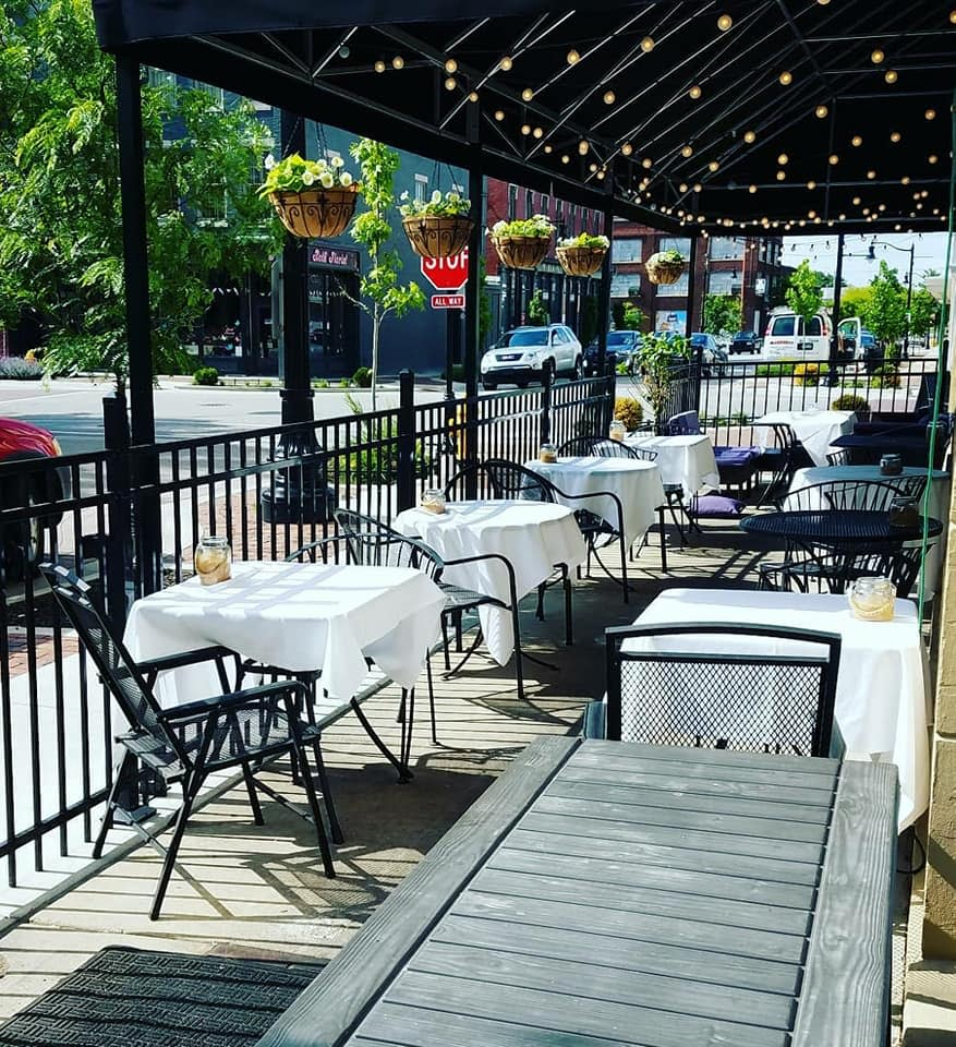 Bistro 501 Outdoor Dining