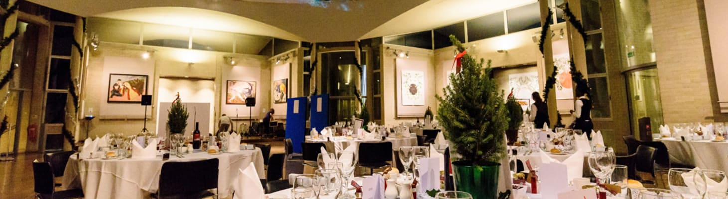 Seasonal menus and spectacular dining rooms